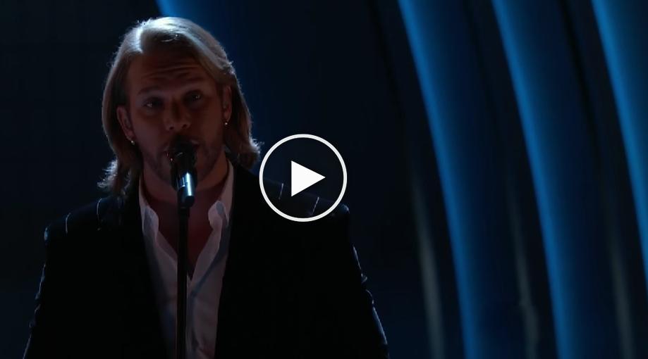 Voice Winner Sings Old Rugged Cross
