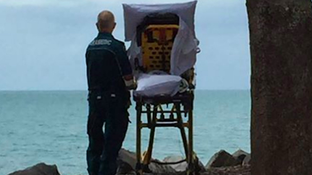emt-takes-dying-woman-to-sea-32