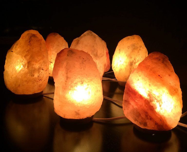 himalayan-salt-lamp-anxiety-768x623